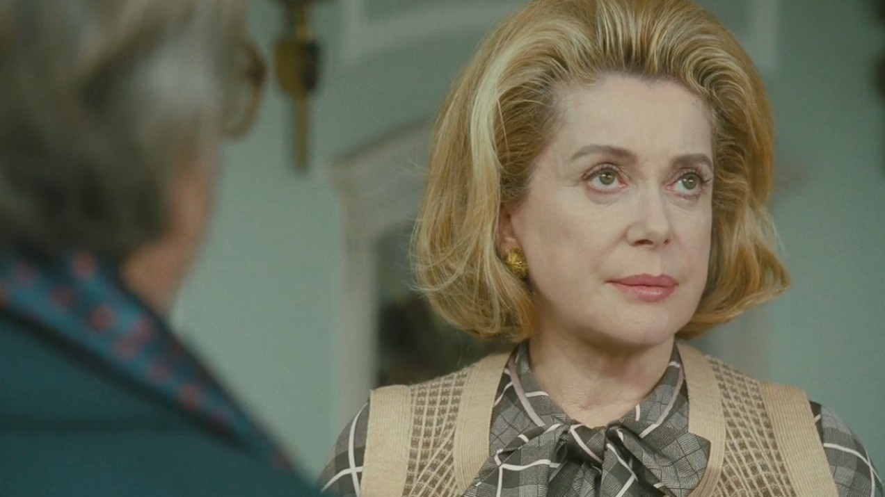 catherine-deneuve-as-suzanne-pujol-in-potiche